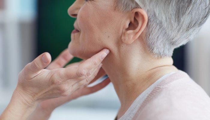 Diferencias entre amigdalitis, faringitis o dolor de cuello